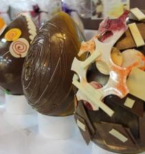 Confecção de Ovos de Páscoa
