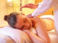 Massagem ayurvédica: tratamento contra stress e tensão