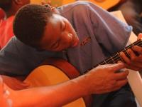 A formação do professor de música para a atuação em escolas livres de música
