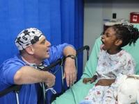 Estrutura de segurança e qualidade no serviço fonoaudiólogo hospitalar