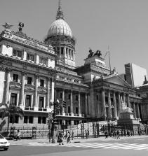 Política  como recurso de organização e análise