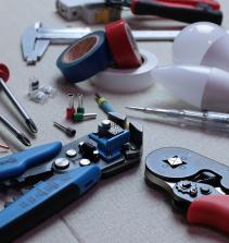 Reparação e Manutenção  De Instalações Elétricas