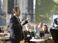 A produtividade e a motivação nas profissões de recepção ao público