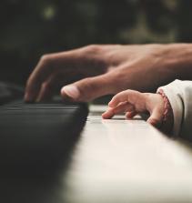 Curso de Aprendendo a tocar instrumentos musicais com certificado