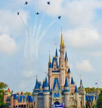 Montando quebra cabeça da Disney