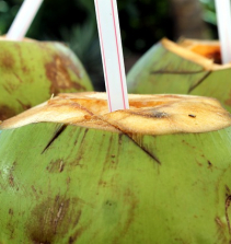 Como abrir coco verde