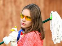 Aprenda a limpar parede e pisos.