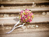 Como planejar pequenos ou grandes casamentos