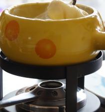 Aprenda a fazer fondue doce e salgado