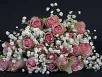 Buquê de noivas e arranjos