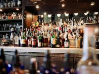 Restaurantes e serviço de vinhos e whisky