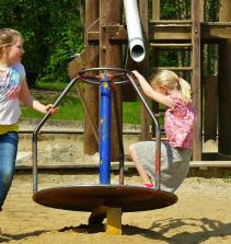Brincar e aprender; tipos de brinquedos e de brincadeiras na educação infantil