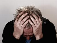 Depressão, delirium, distúrbios do sono, quedas e tontura