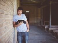 Concepções educacionais e currículos em educação de jovens e adultos